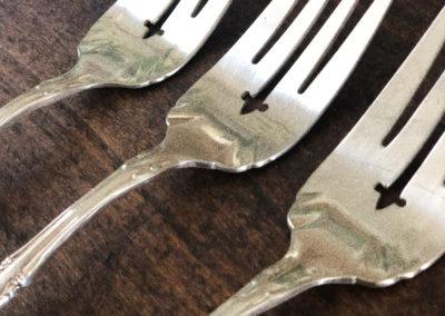 Fourchette de service gravée vintage