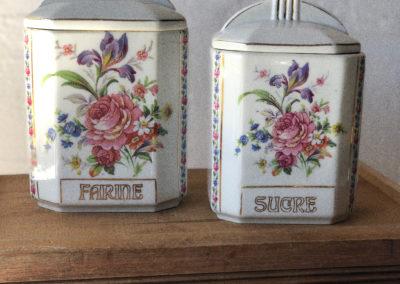 Pots à épice en porcelaine