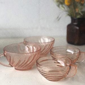 Tasses vintage verre rose Arcoroc